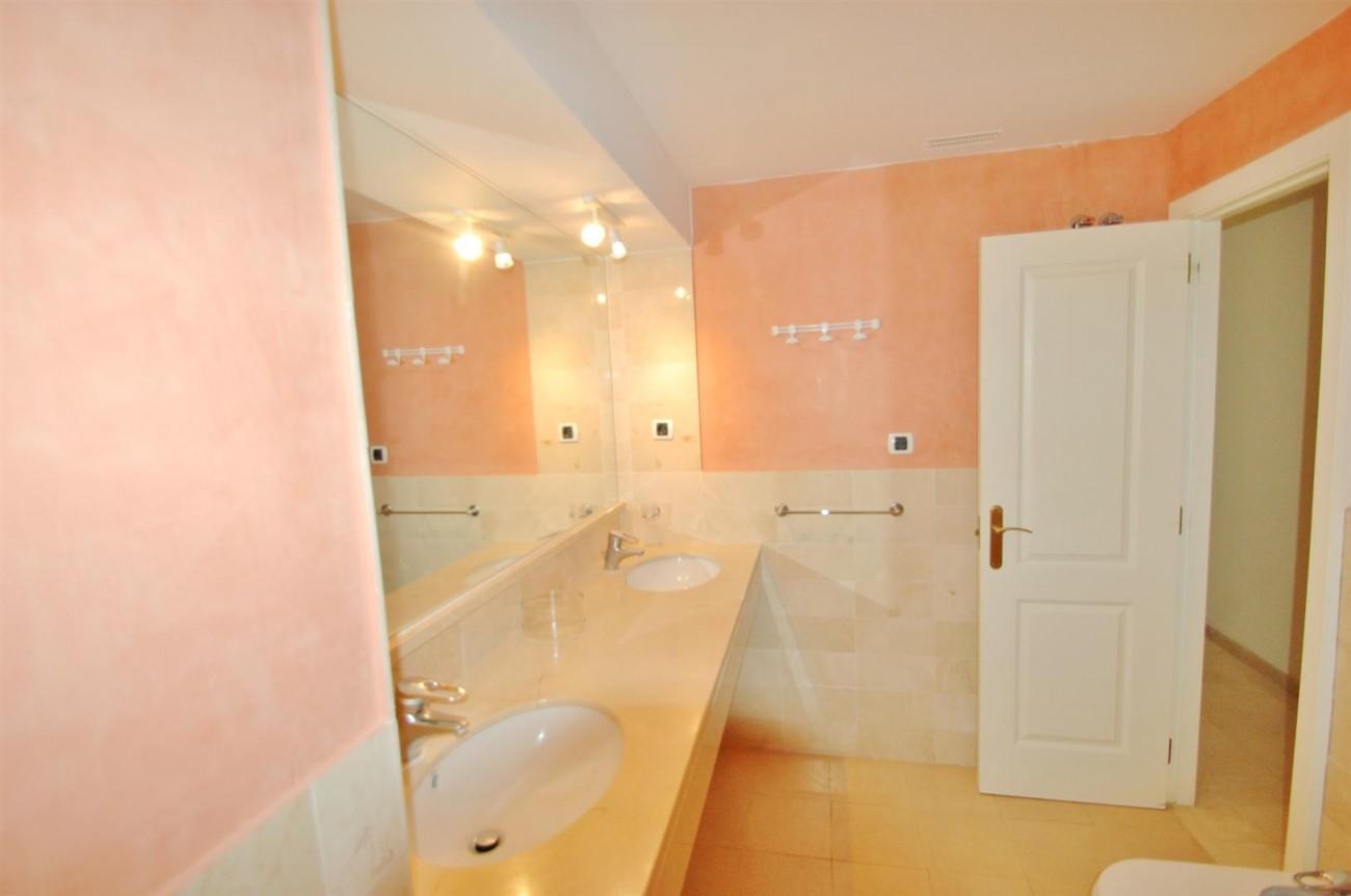 A5407 Spacious Apartment Marbella (11) (Large)