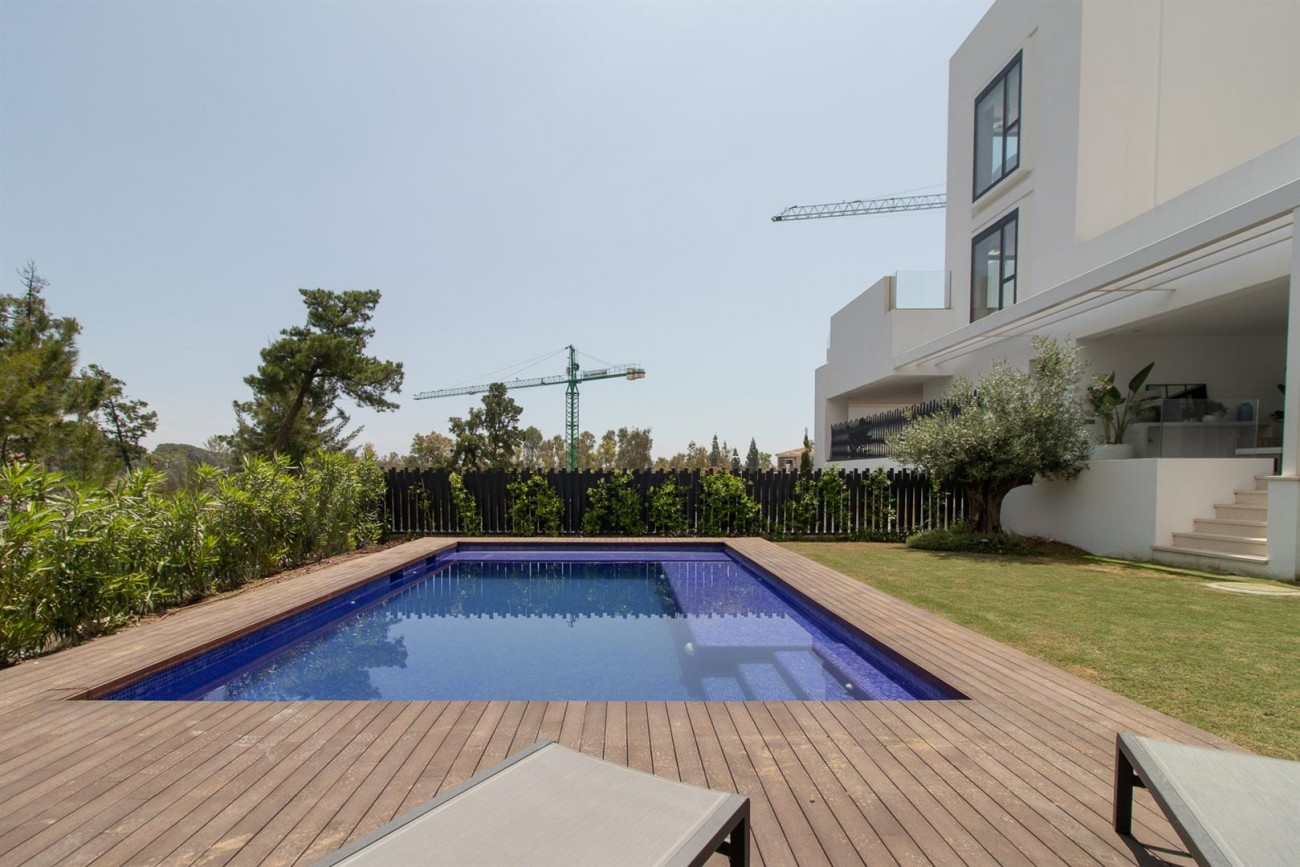 Luxury New Contemporary Apartments for sale Marbella Golden Mile Spain (7) (Large)