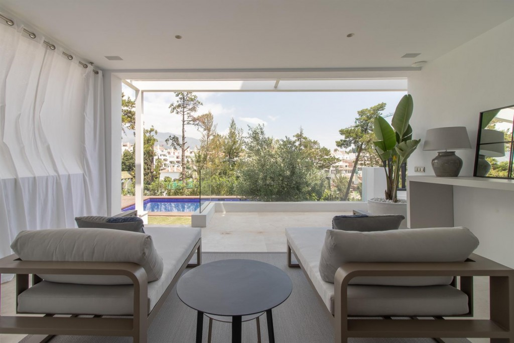 Luxury New Contemporary Apartments for sale Marbella Golden Mile Spain (9) (Large)