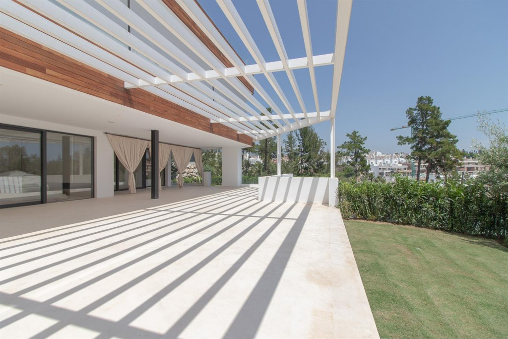Luxury New Contemporary Apartments for sale Marbella Golden Mile Spain (10) (Large)