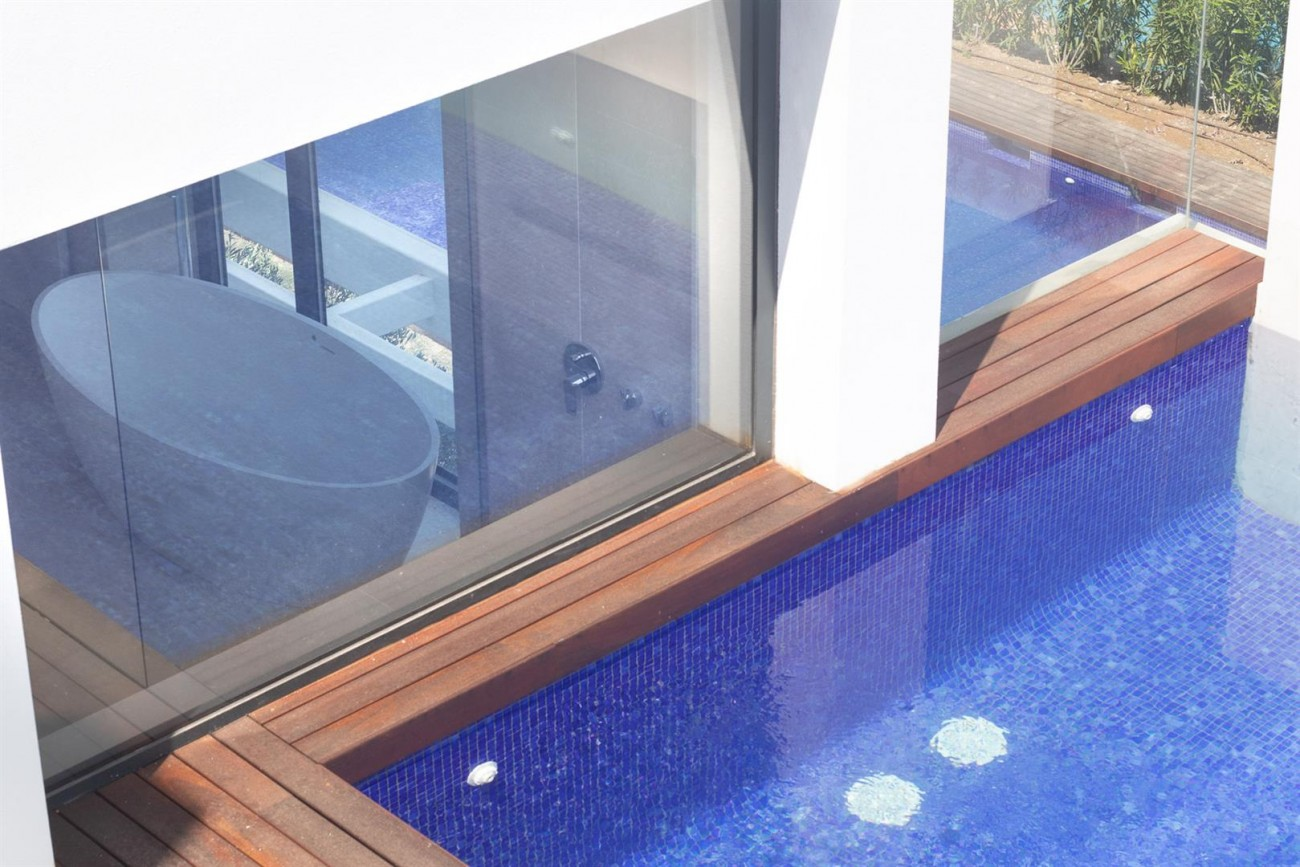 Luxury New Contemporary Apartments for sale Marbella Golden Mile Spain (12) (Large)