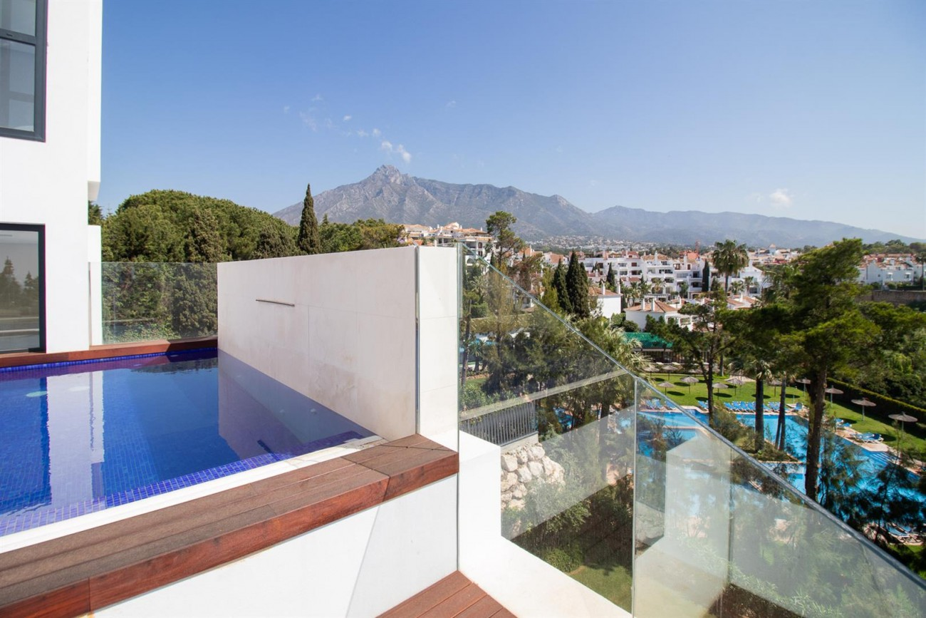 Luxury New Contemporary Apartments for sale Marbella Golden Mile Spain (18) (Large)