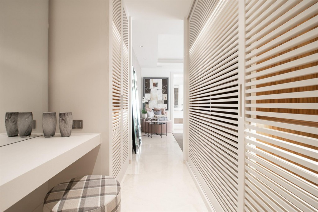Luxury New Contemporary Apartments for sale Marbella Golden Mile Spain (19) (Large)