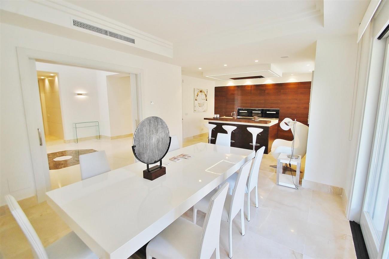 V5412 Luxury Villa Beachside Golden Mile (3) (Large)