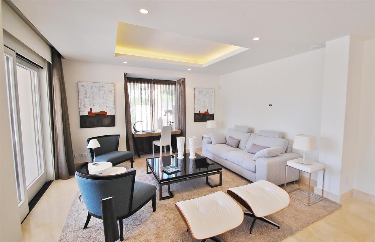 V5412 Luxury Villa Beachside Golden Mile (6) (Large)