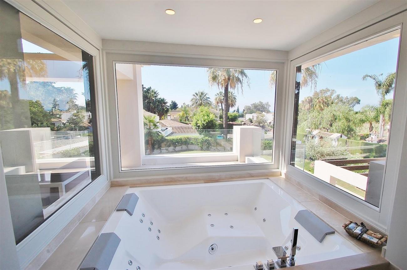 V5412 Luxury Villa Beachside Golden Mile (22) (Large)