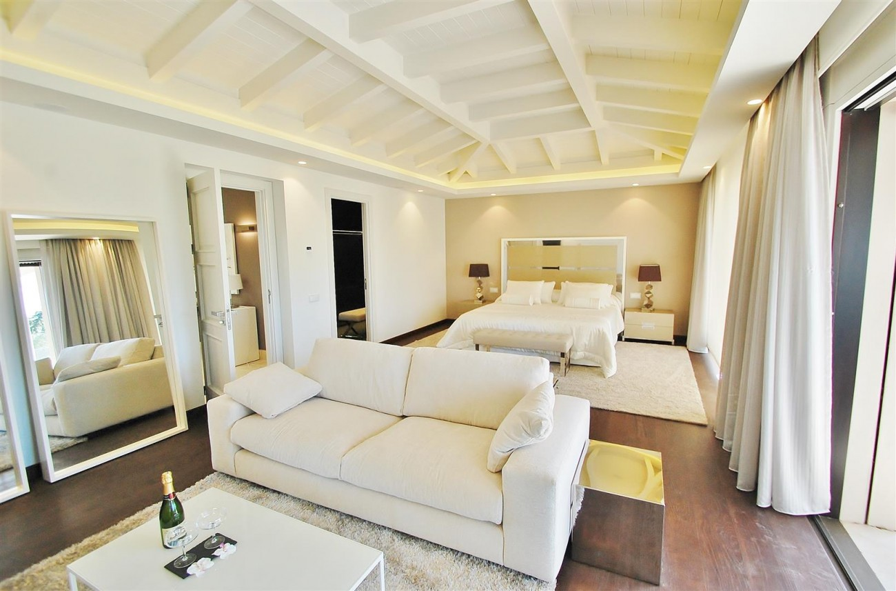 V5412 Luxury Villa Beachside Golden Mile (31) (Large)