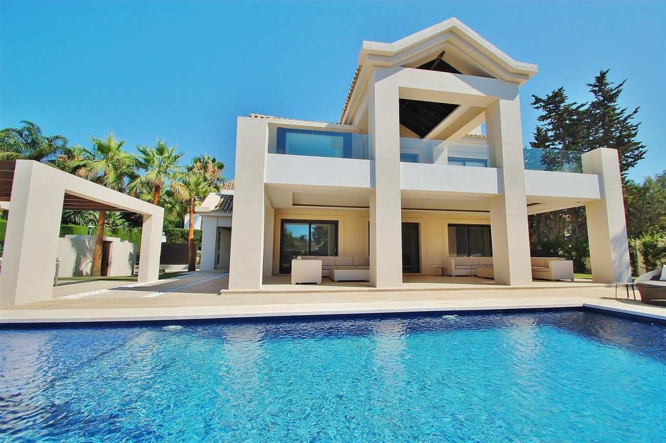 V5412 Luxury Villa Beachside Golden Mile (52) (Large)