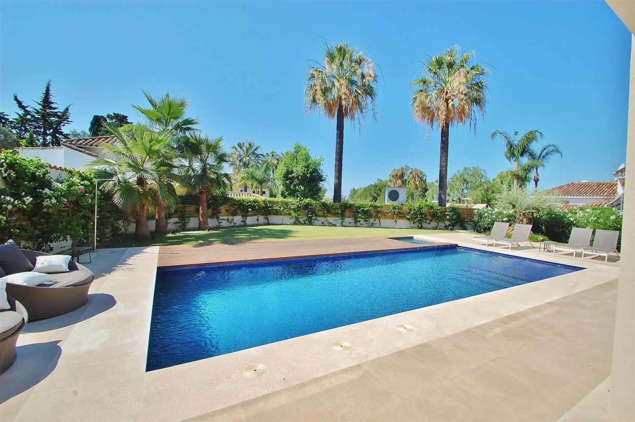 V5412 Luxury Villa Beachside Golden Mile (56) (Large)