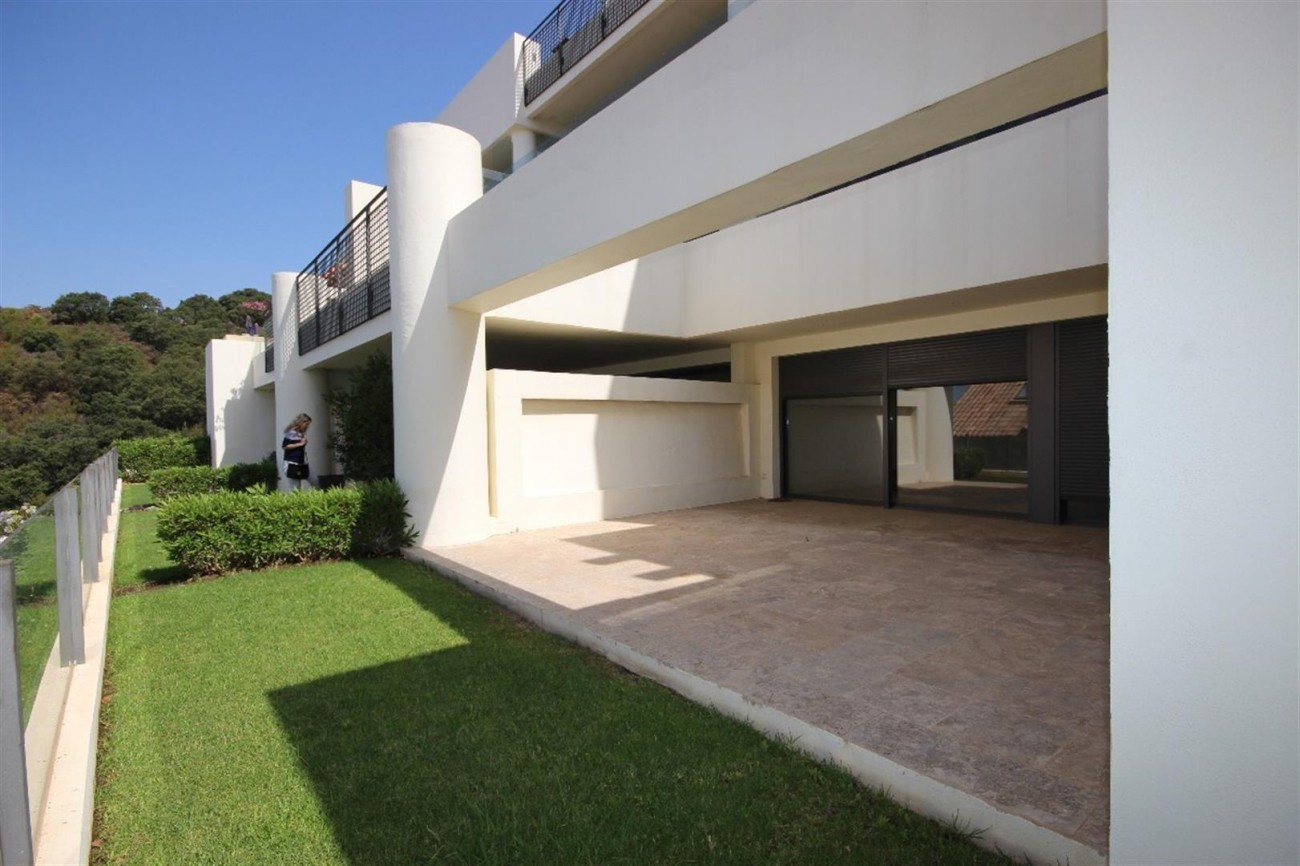 A5421 Luxury garden apartment 1 (Large)