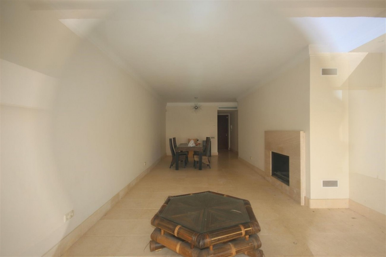 A5421 Luxury garden apartment 3 (Large)