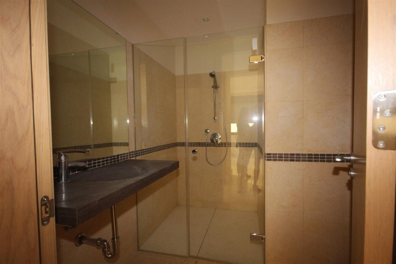 A5421 Luxury garden apartment 7 (Large)