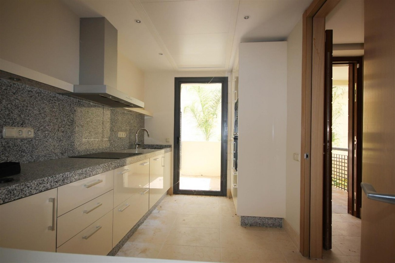 A5423 Luxury apartment Marbella 5 (Large)