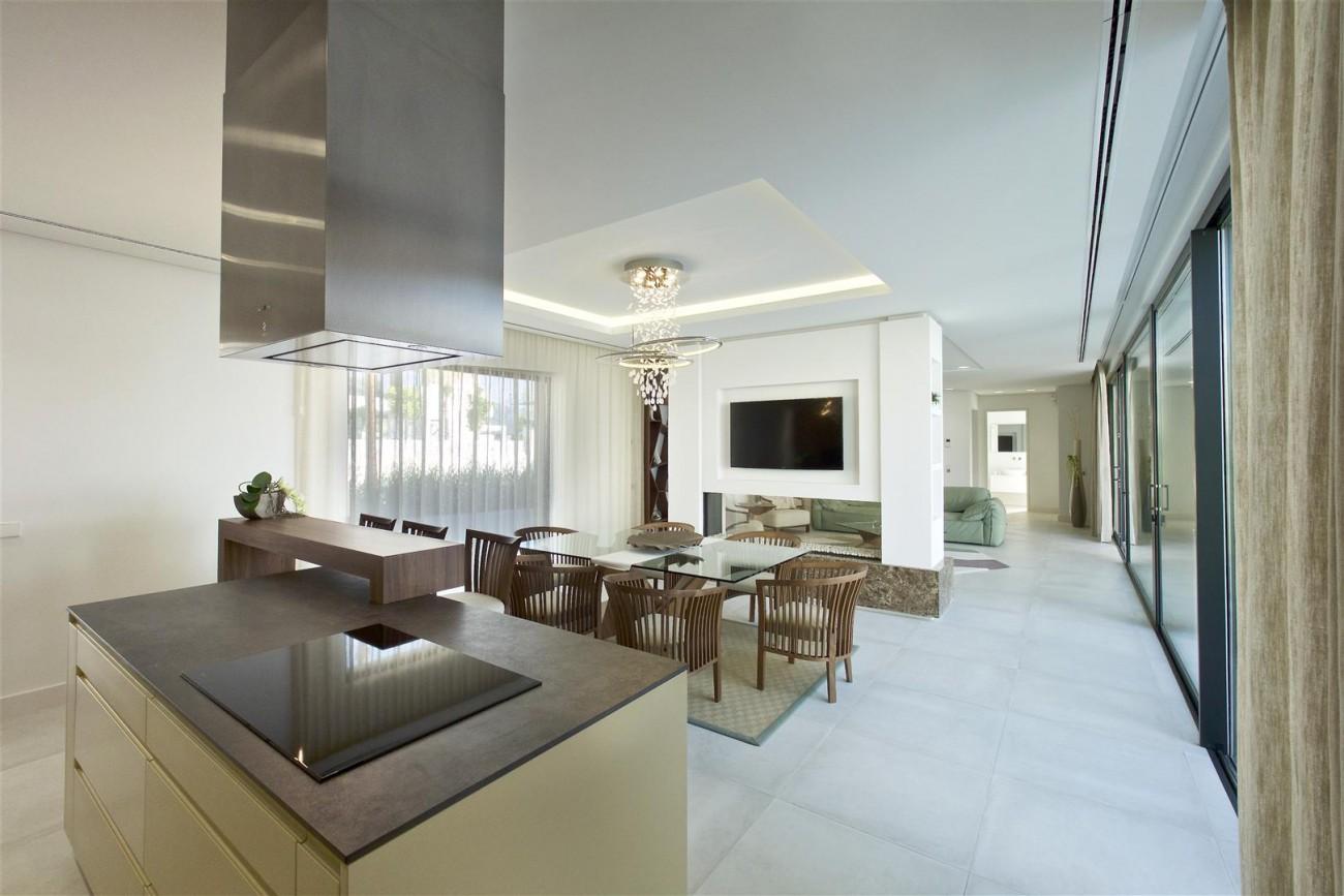 New Contemporary Villas for sale Benahavis Spain (7) (Large)