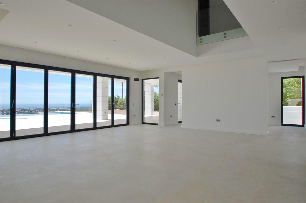 V5432 Contemporary  villa Benahavis  (1)