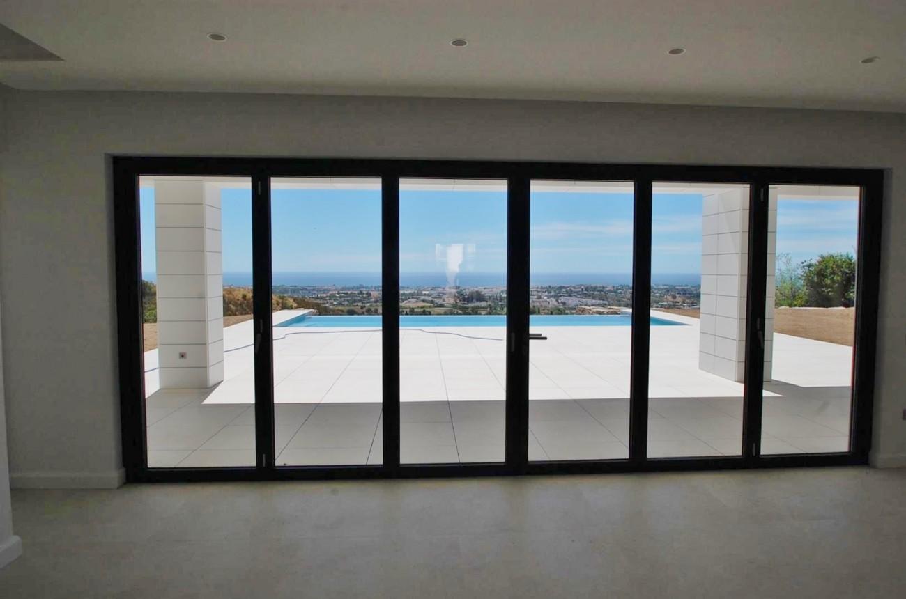 V5432 Contemporary  villa Benahavis  (2)