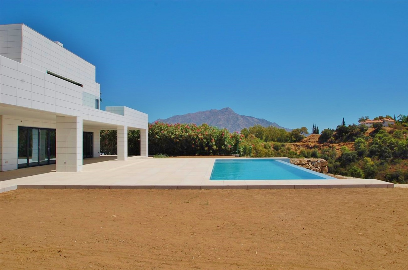 V5432 Contemporary  villa Benahavis  (3)