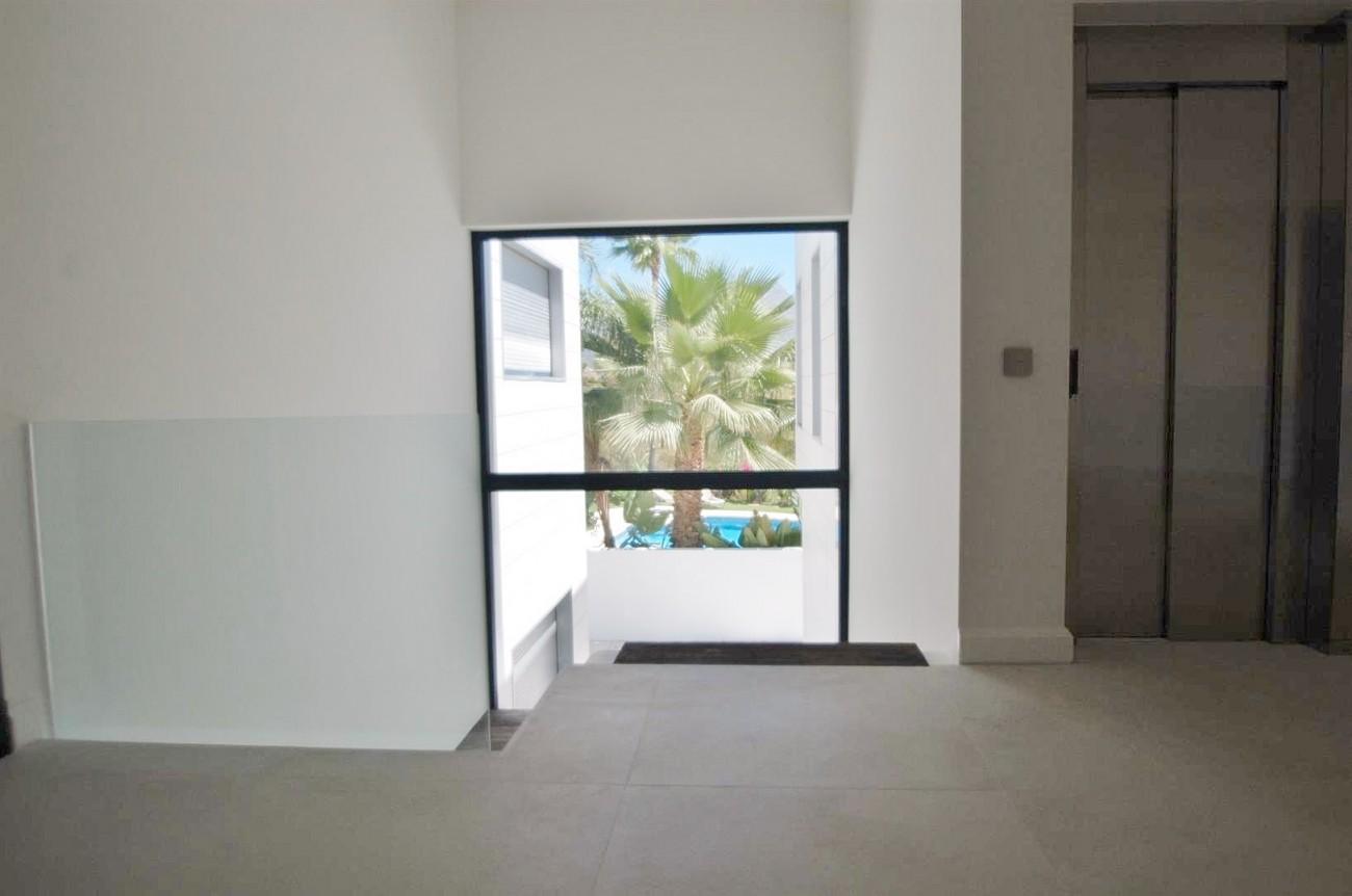 V5432 Contemporary  villa Benahavis  (7)