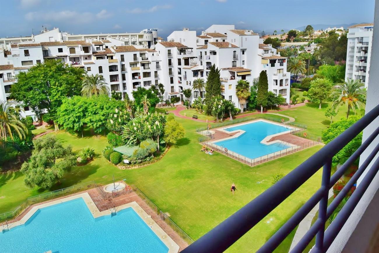 A5446 terrazas de puerto Banus (2) (Large)