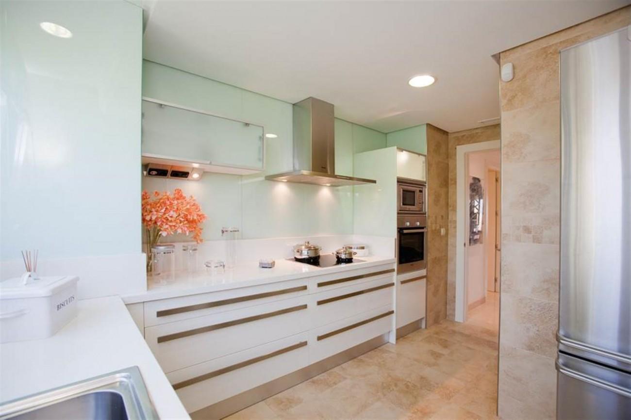 D5455 luxury apartments Nueva Andalucia (3) (Large)