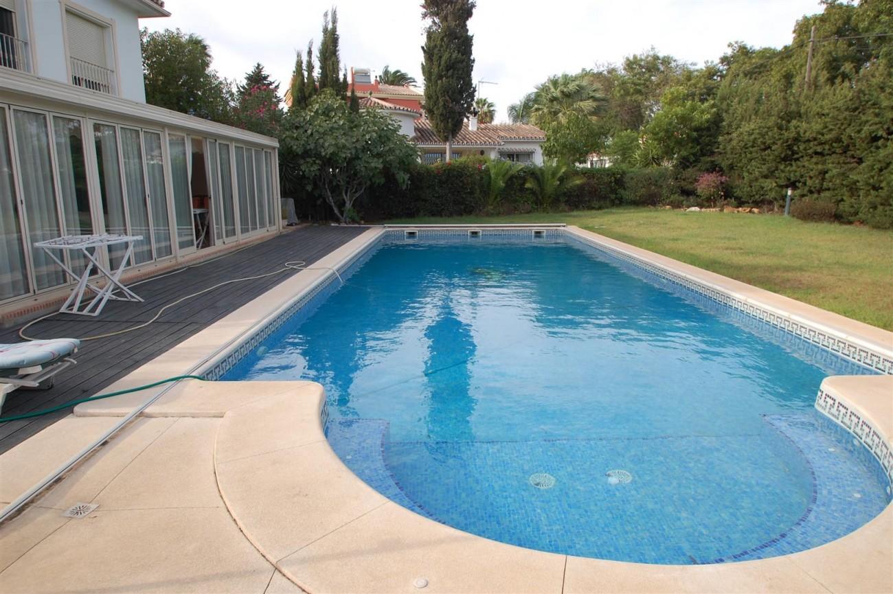 V5460 Beachside villa Marbella 2 (Large)