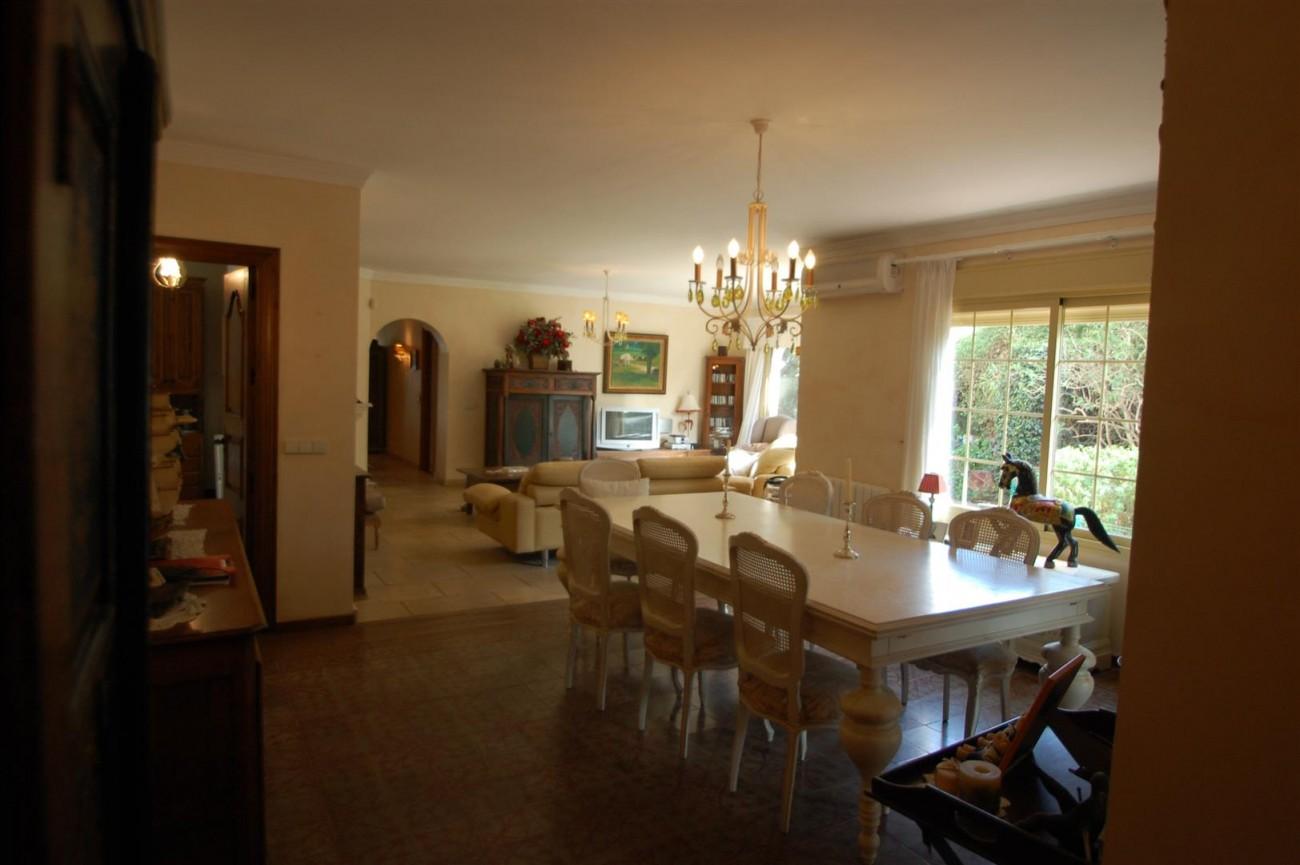V5460 Beachside villa Marbella 10 (Large)