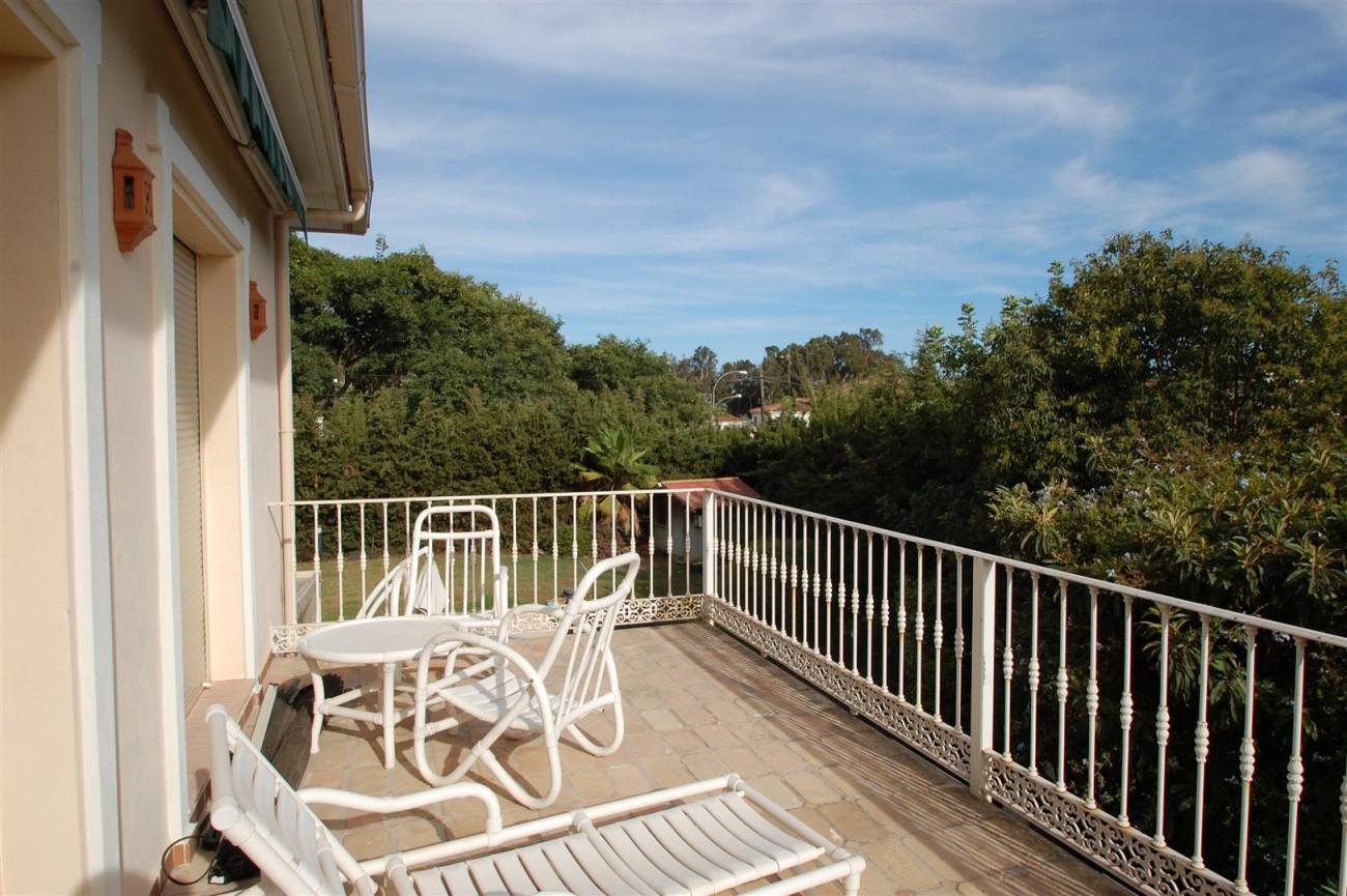 V5460 Beachside villa Marbella 13 (Large)