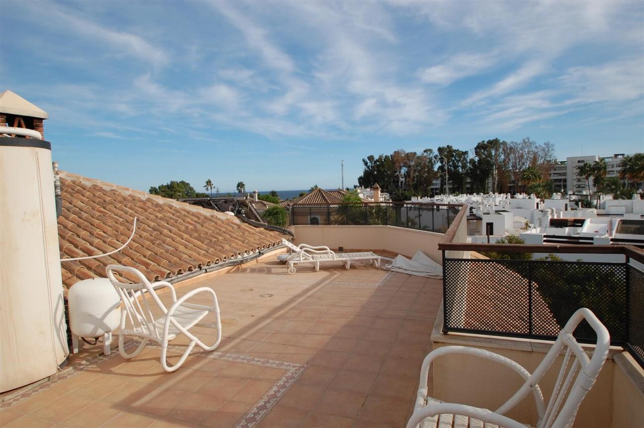 V5460 Beachside villa Marbella 14 (Large)