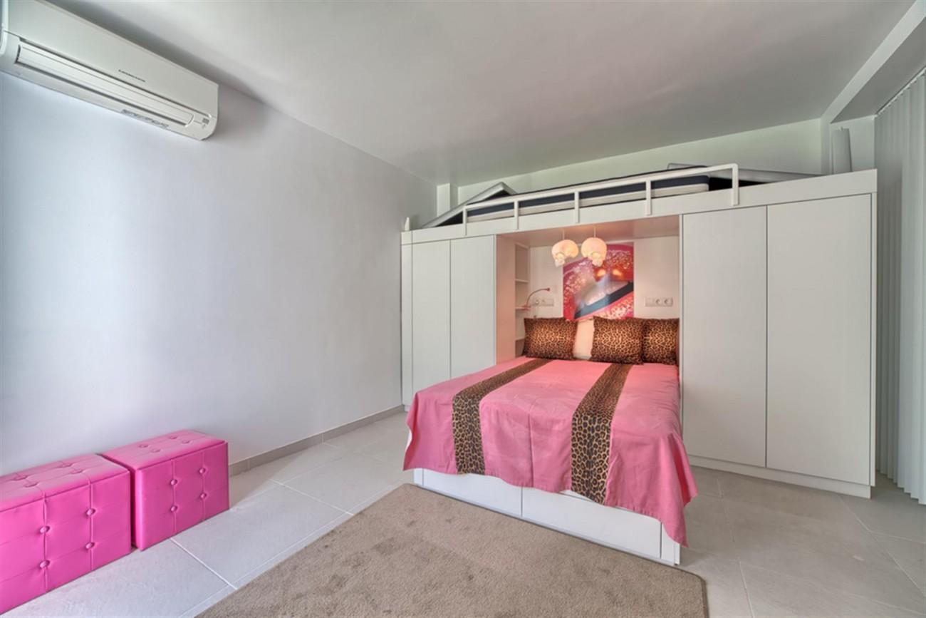 V5463 Excellent villa El Rosario (9) (Large)