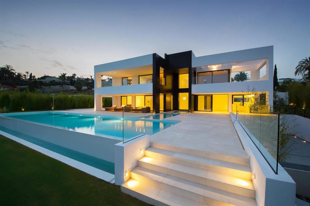 Contemporary Villa For Sale Marbella Spain (1) (Large)