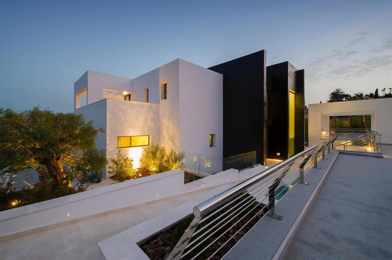 Contemporary Villa For Sale Marbella Spain (2) (Large)