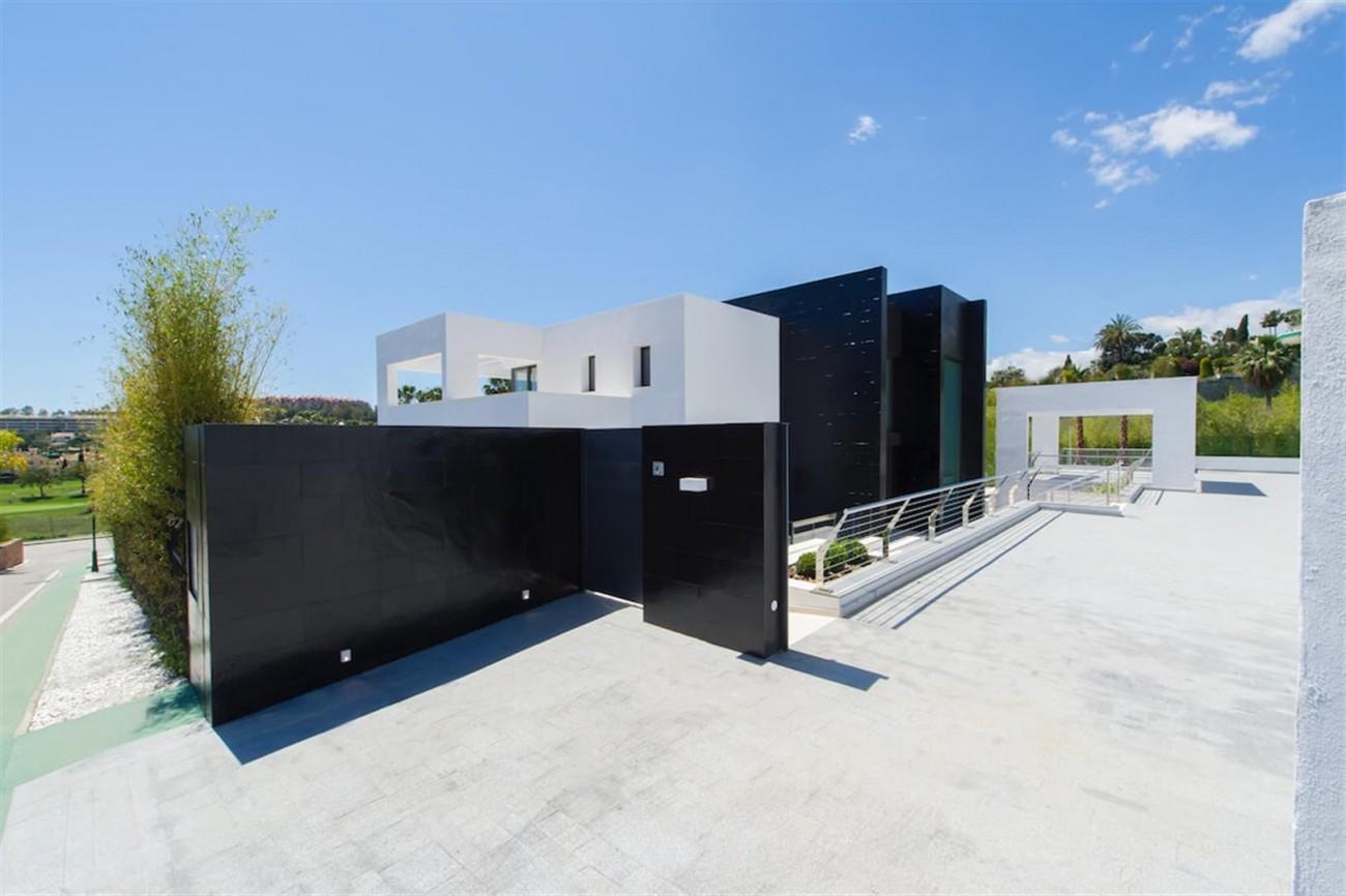 Contemporary Villa For Sale Marbella Spain (4) (Large)