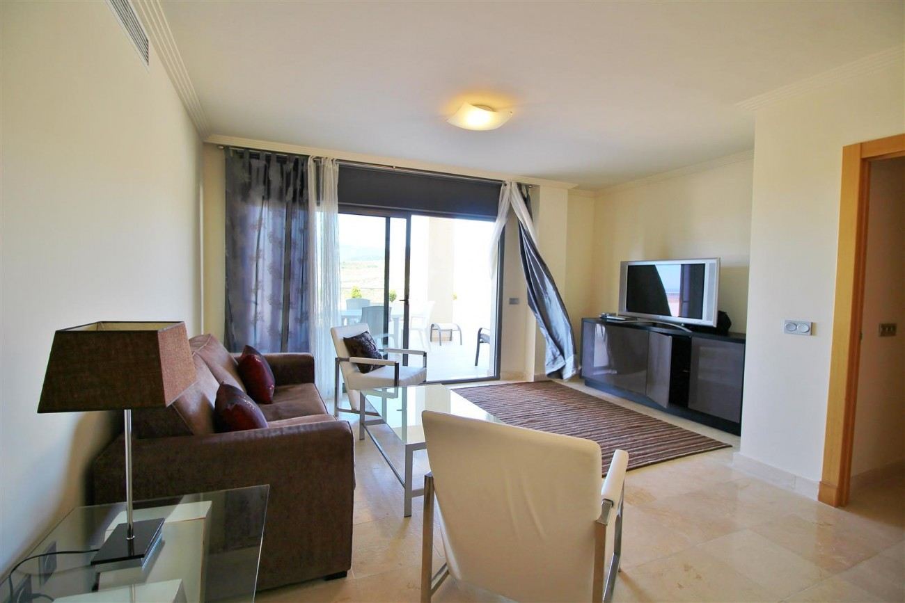 A5469 Luxury Apartment on Golf Course & Sea View 10