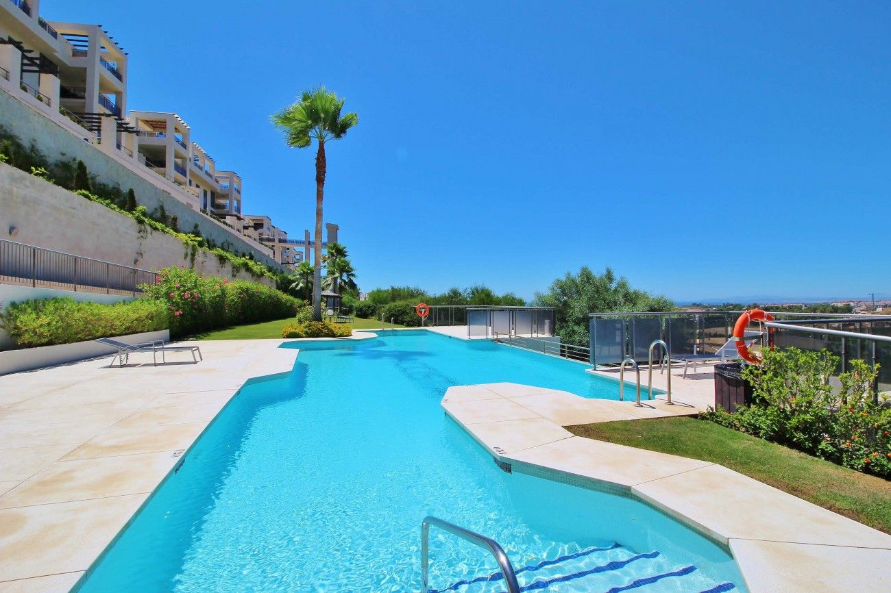 A5469 Luxury Apartment on Golf Course & Sea View 1