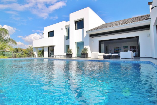 View All Luxury Villas