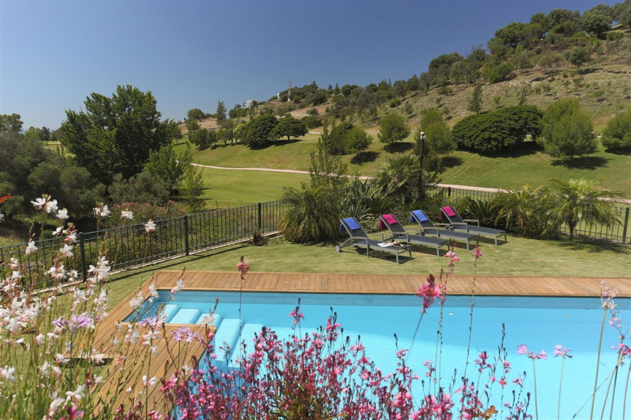 V5497 Frontline golf villa Benahavis 2 (Large)