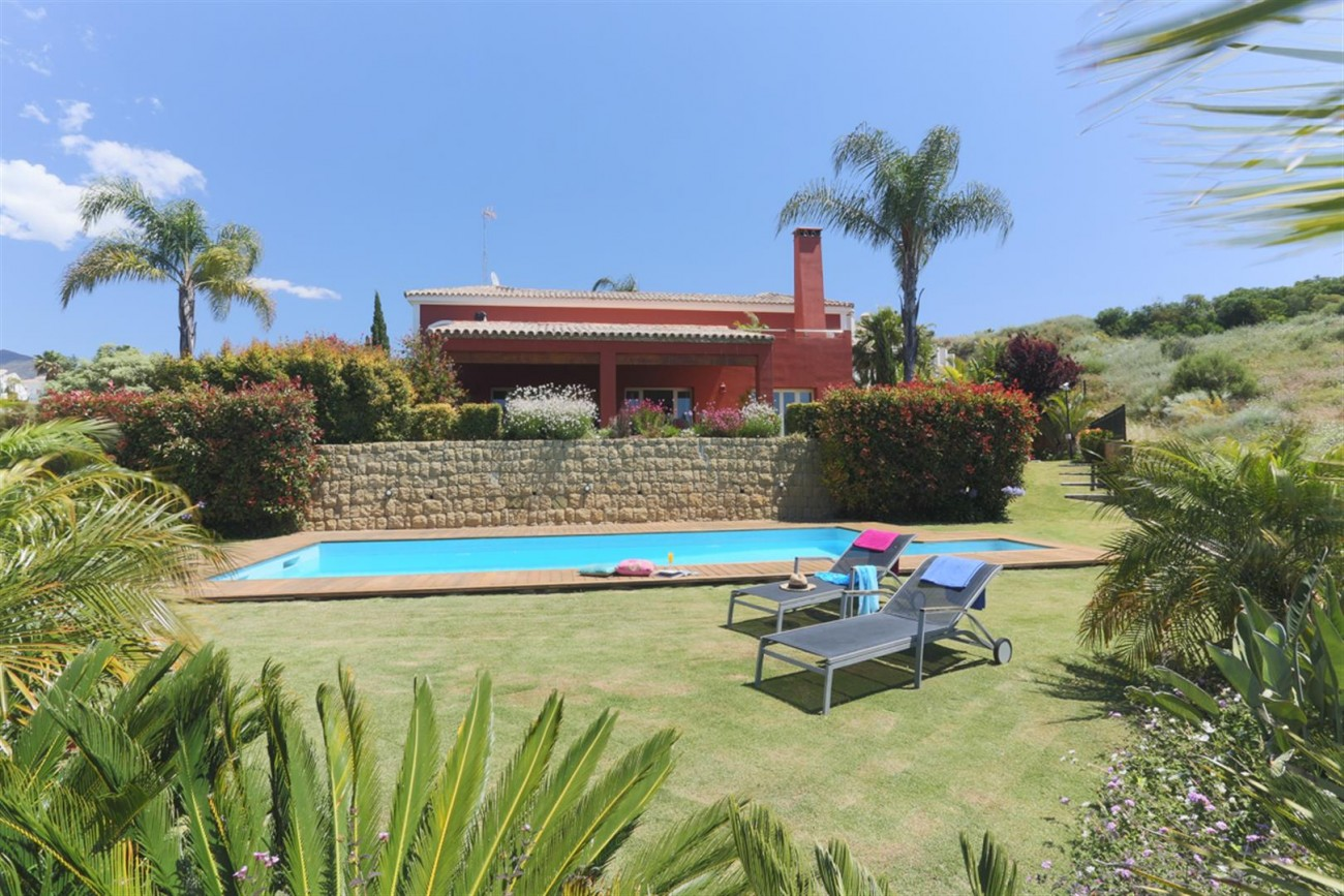 V5497 Frontline golf villa Benahavis 12 (Large)