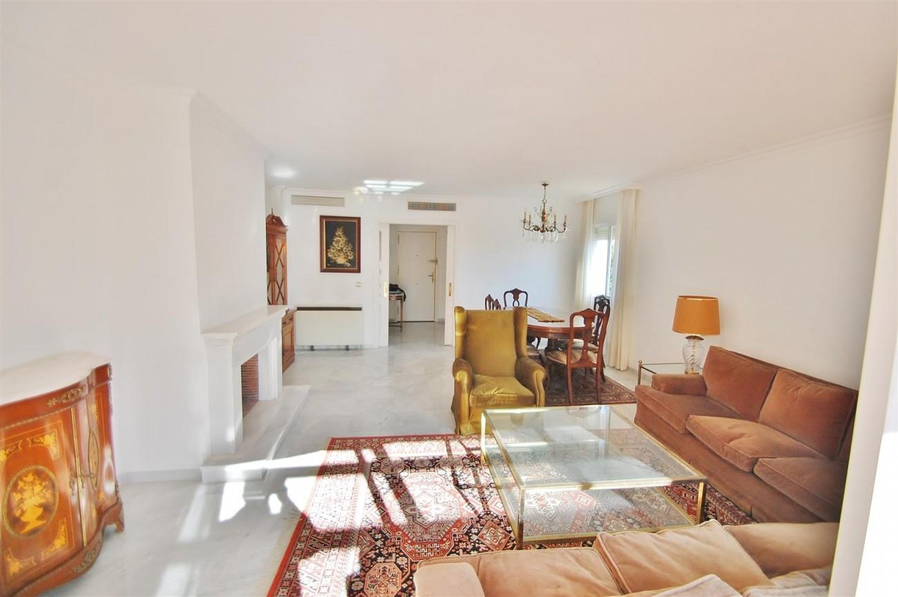 A5506 Spacious apartment Estepona 11 (Large)
