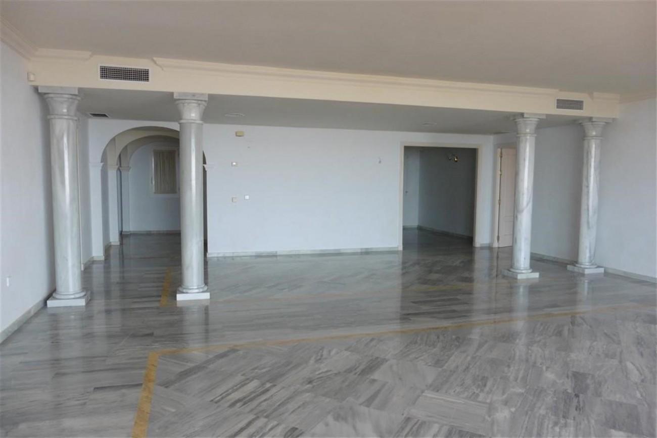 A5520 Apartment Nueva Andalucia 2 (Large)