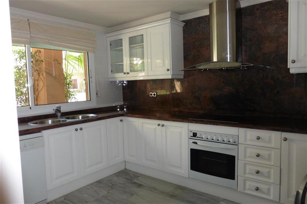 A5520 Apartment Nueva Andalucia 6 (Large)