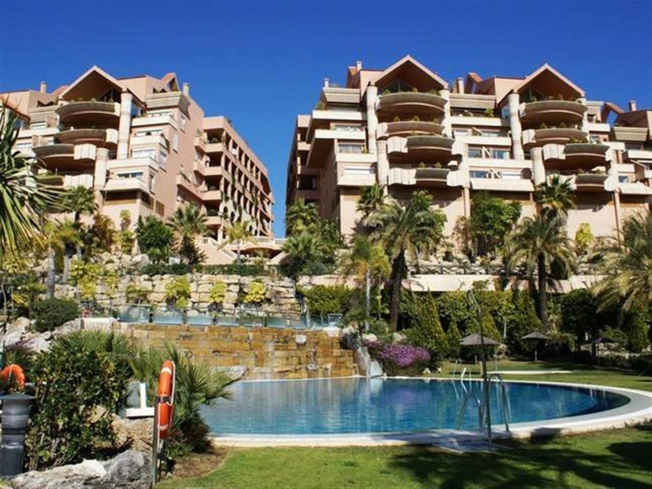 A5520 Apartment Nueva Andalucia 10 (Large)