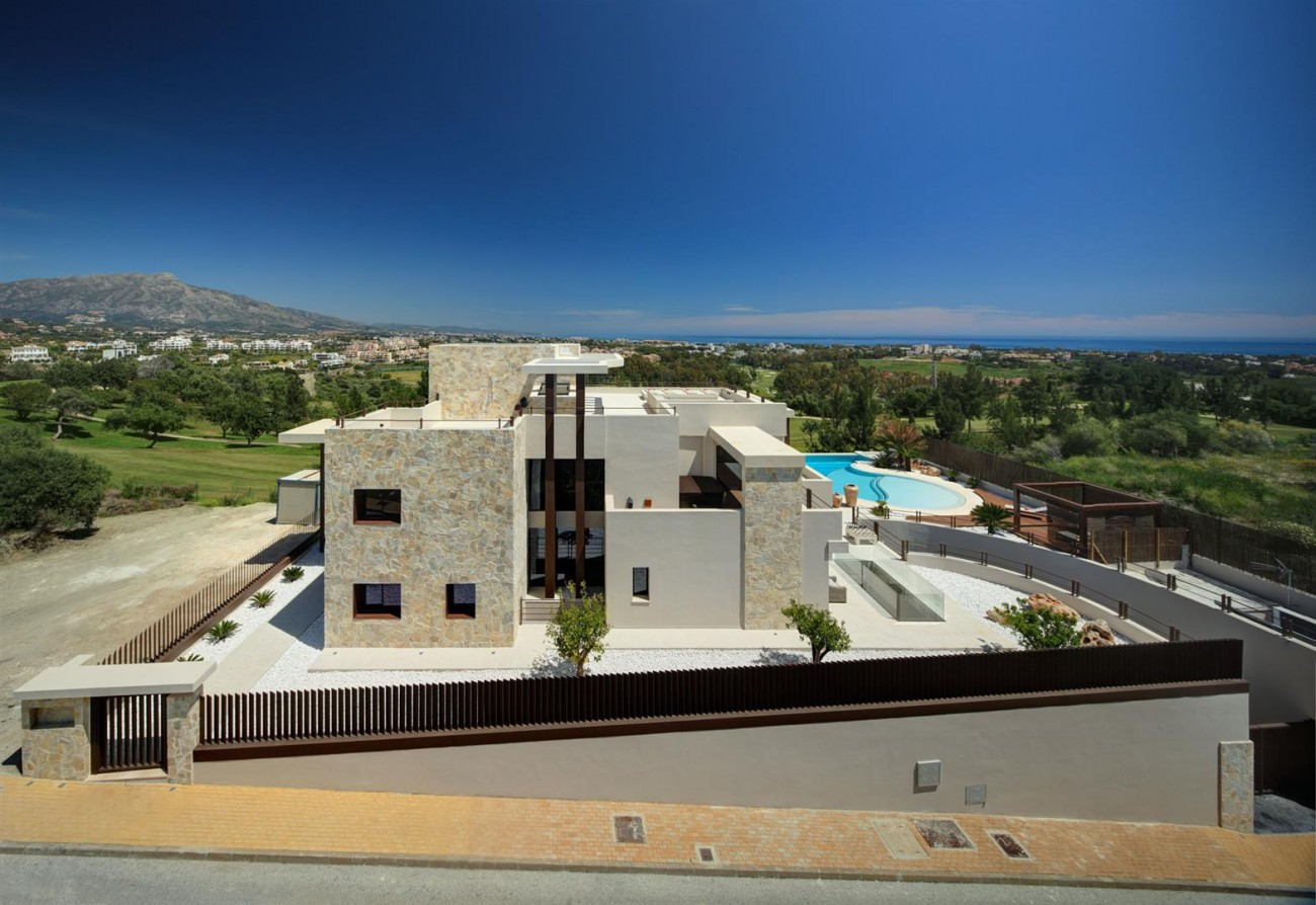 Luxury Contemporary Villa for sale Benahavis Spain (4) (Large)