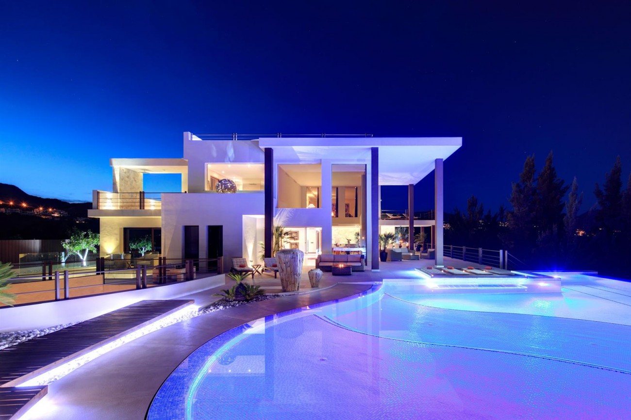 Luxury Contemporary Villa for sale Benahavis Spain (7) (Large)