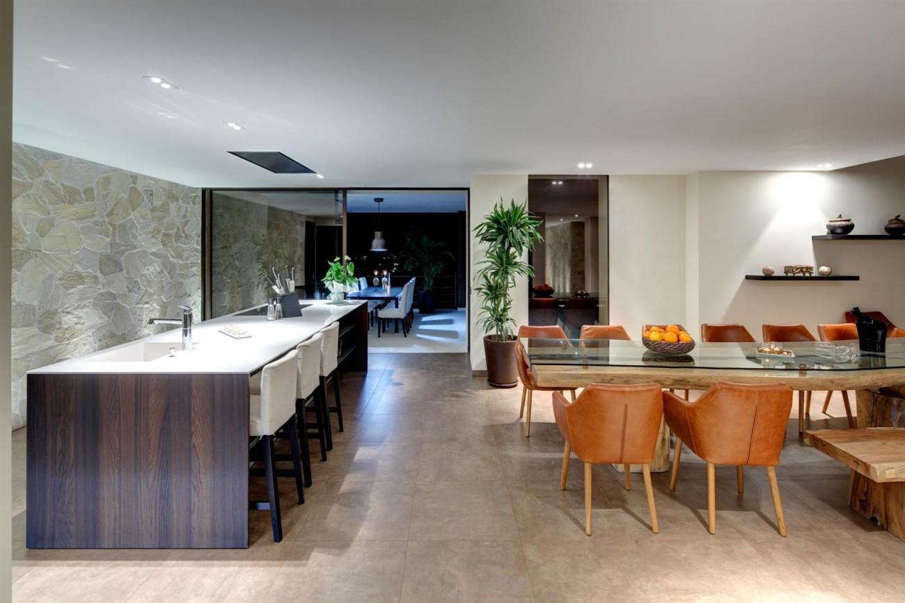 Luxury Contemporary Villa for sale Benahavis Spain (10) (Large)