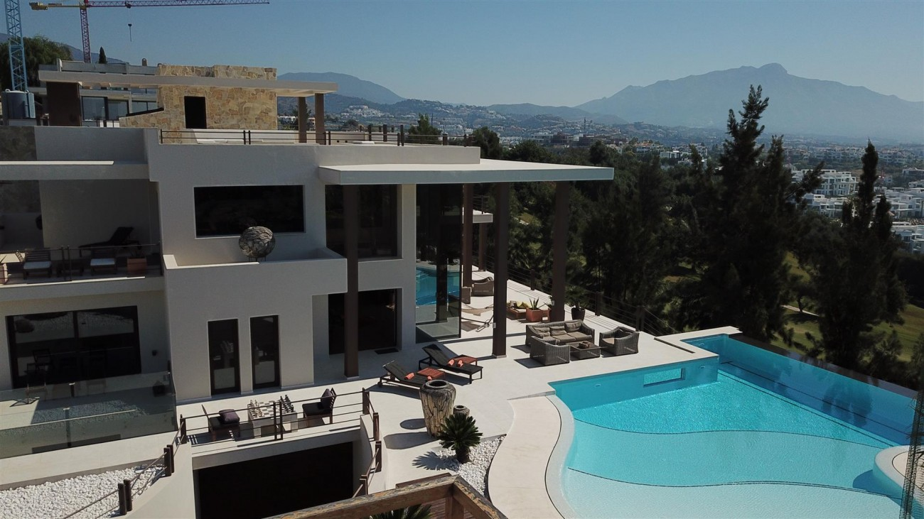 Luxury Contemporary Villa for sale Benahavis Spain (14) (Large)