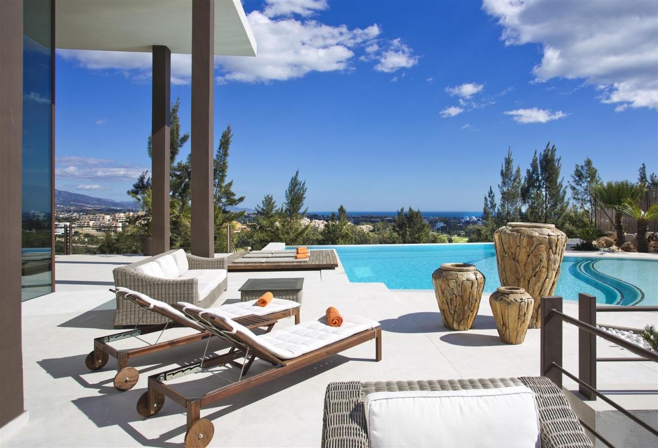 Luxury Contemporary Villa for sale Benahavis Spain (20) (Large)