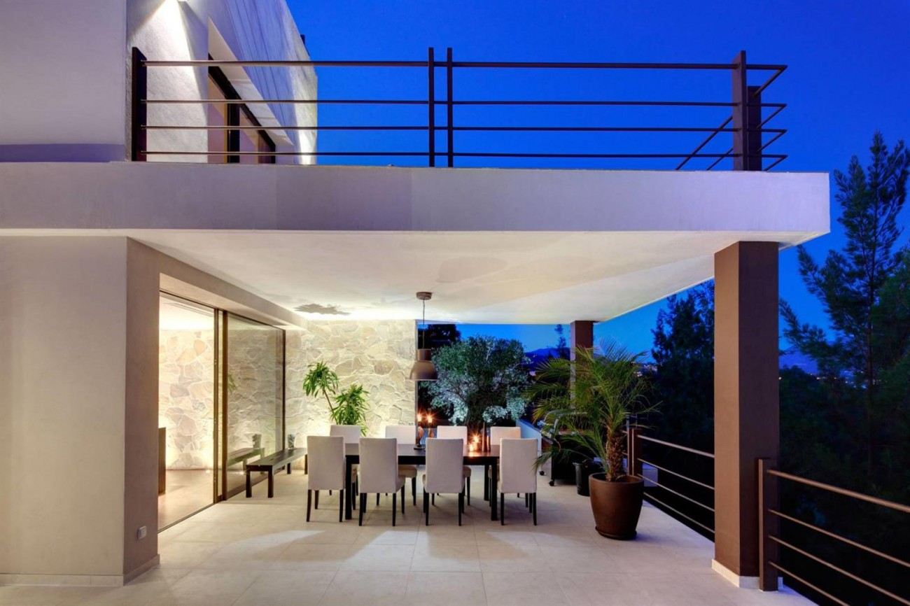 V5522 Frontline golf villa Benahavis 11 (Large)