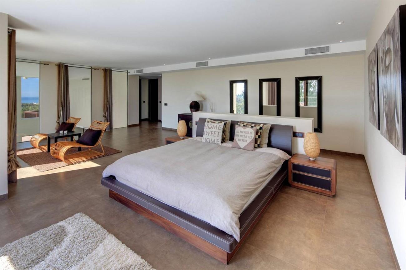 V5522 Frontline golf villa Benahavis 12 (Large)