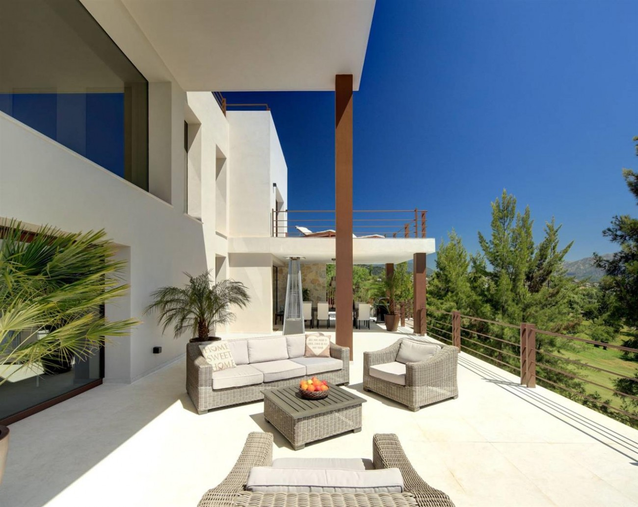 V5522 Frontline golf villa Benahavis 15 (Large)