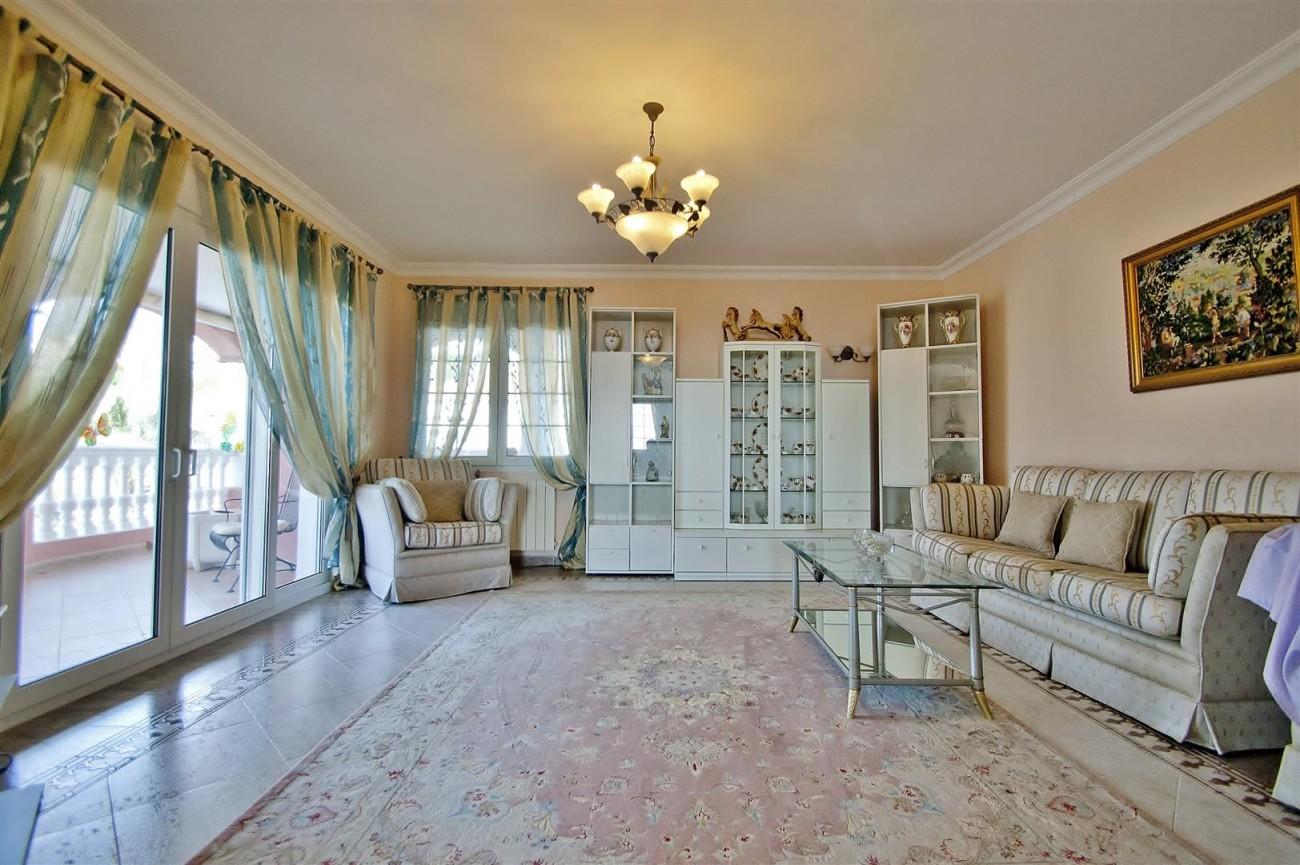V5524 Villa in Calahonda 2 (Large)